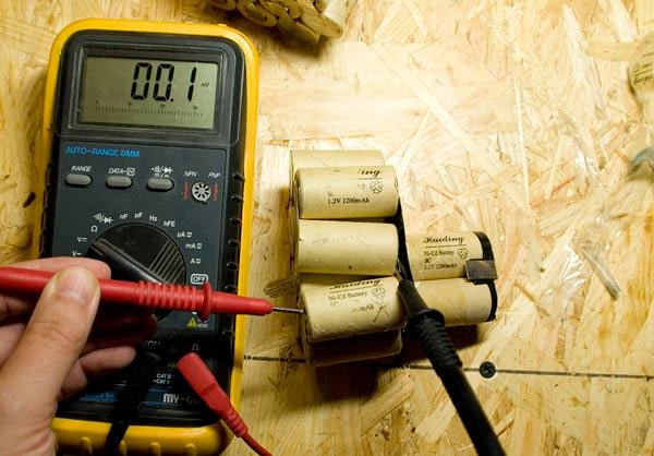 Проверить батарейку в домашних условиях
